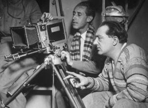 """""""Die Frau im Mond"""" Der bekannte Regisseur Fritz Lang bei den Aufnahmen des Weltraum-Films """"Frau im Mond"""", dessen Uraufführung mit grosser Spannung entgegen gesehen wird."""
