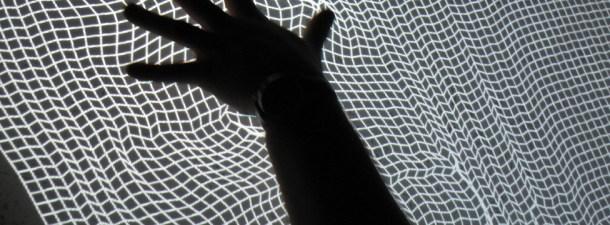 Transforme qualquer superfície em uma tela sensível ao toque, incluindo madeira ou vidro