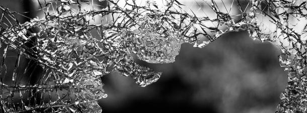 Cientistas japoneses desenvolveram um vidro inquebrável