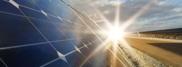 A união de perovskita e pontos quânticos dá esperança aos painéis solares e ao LED