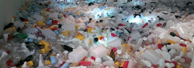 Este método permite transformar garrafas de plástico em diesel
