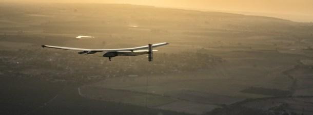 Solar Impulse 2 faz história no primeiro voo transoceânico sem emissões