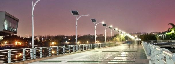 Estes postes inteligentes conseguem eletricidade da passagem dos pedestres